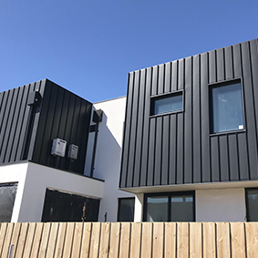 Black rock residence, vic PVDF satin blACK ALUMINIUM