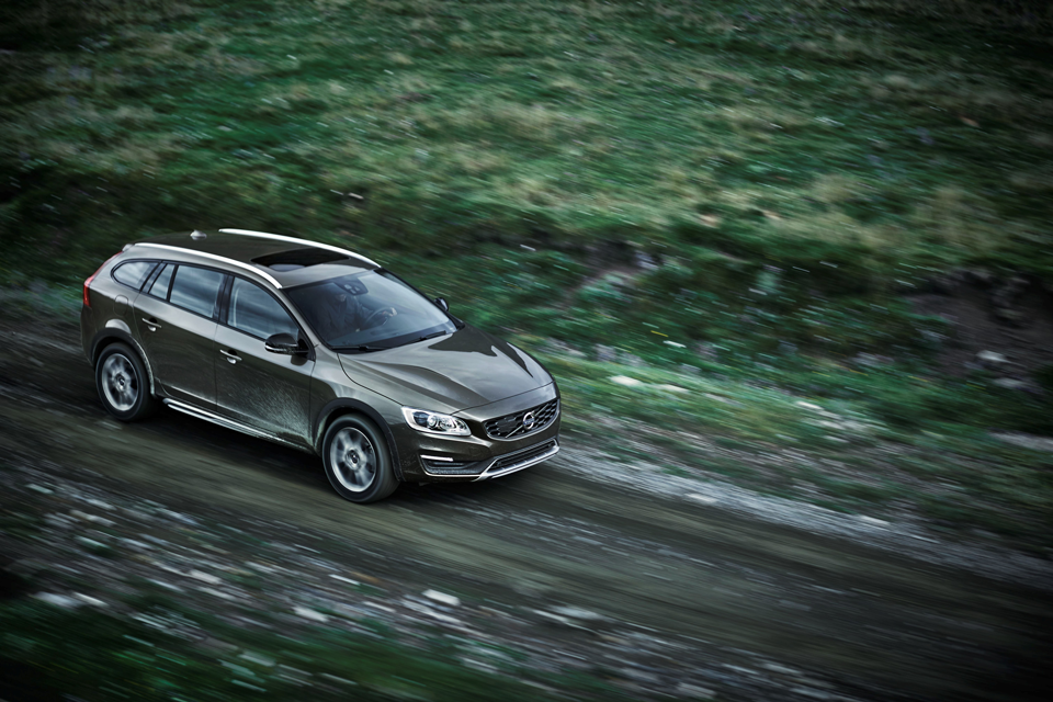 153907_Volvo_V60_Cross_Country.png