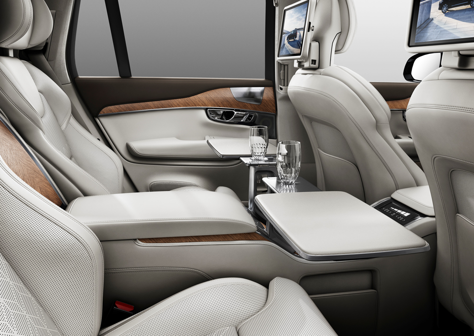 161281_Volvo_XC90_Excellence_Interieur.png
