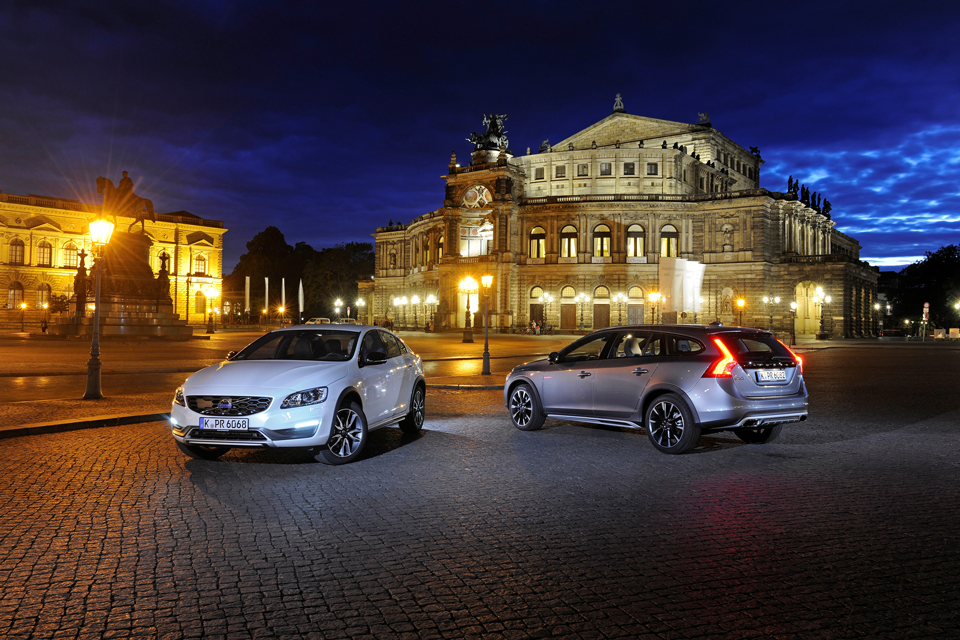 165960_Volvo_S60_Cross_Country_und_V60_Cross_Country.png