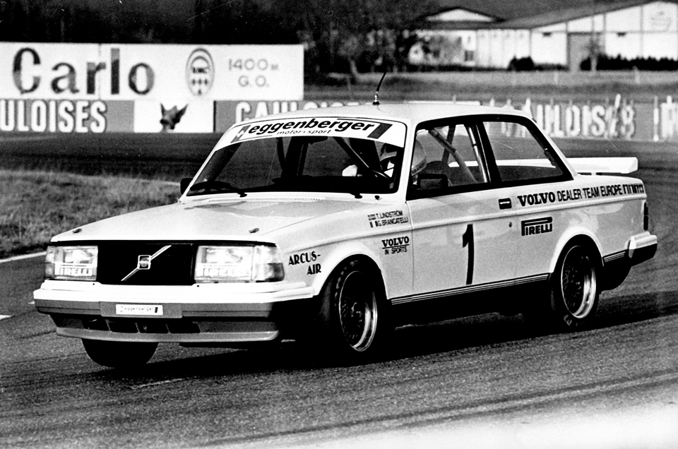 167811_Volvo_240_Turbo_in_der_Tourenwagen_Europameisterschaft_ETC_1985.png