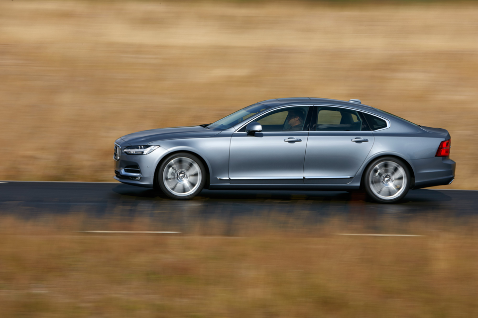 171000_Volvo_S90.png