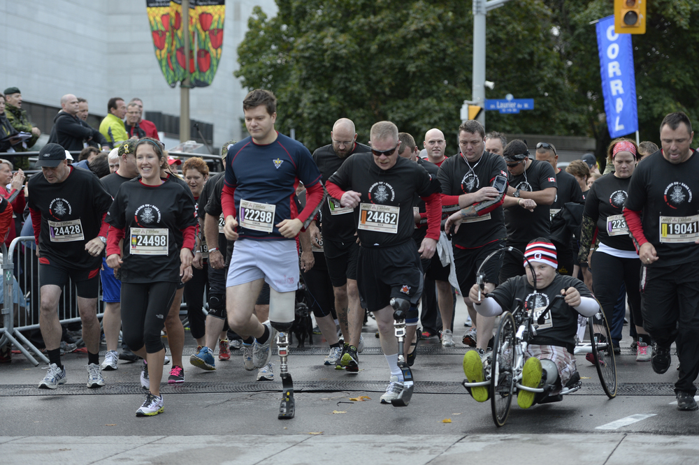 Participants kick off their race in this photo from the 2013 Canada Army Run (James Park photo)