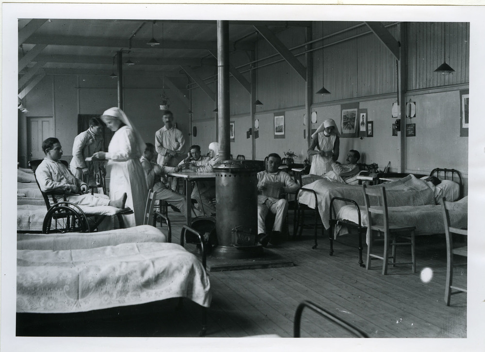 Not all hospitals for veterans were as sanitary and comfortable as the one pictured here. Many soldiers returning home from the front lines of Europe suffered from chronic illnesses, such as tuberculosis.