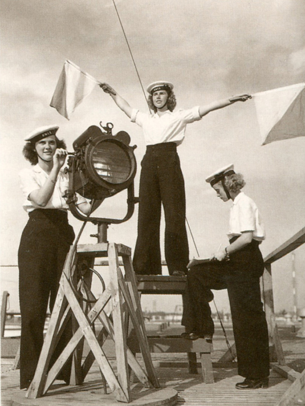 Unidentified signallers of the Women's Royal Canadian Naval Service at the signal training school at HMCS St Hyacinthe, located inSt. Hyacinthe, Québec, September 1944. (dnd, lac, pa-150940)