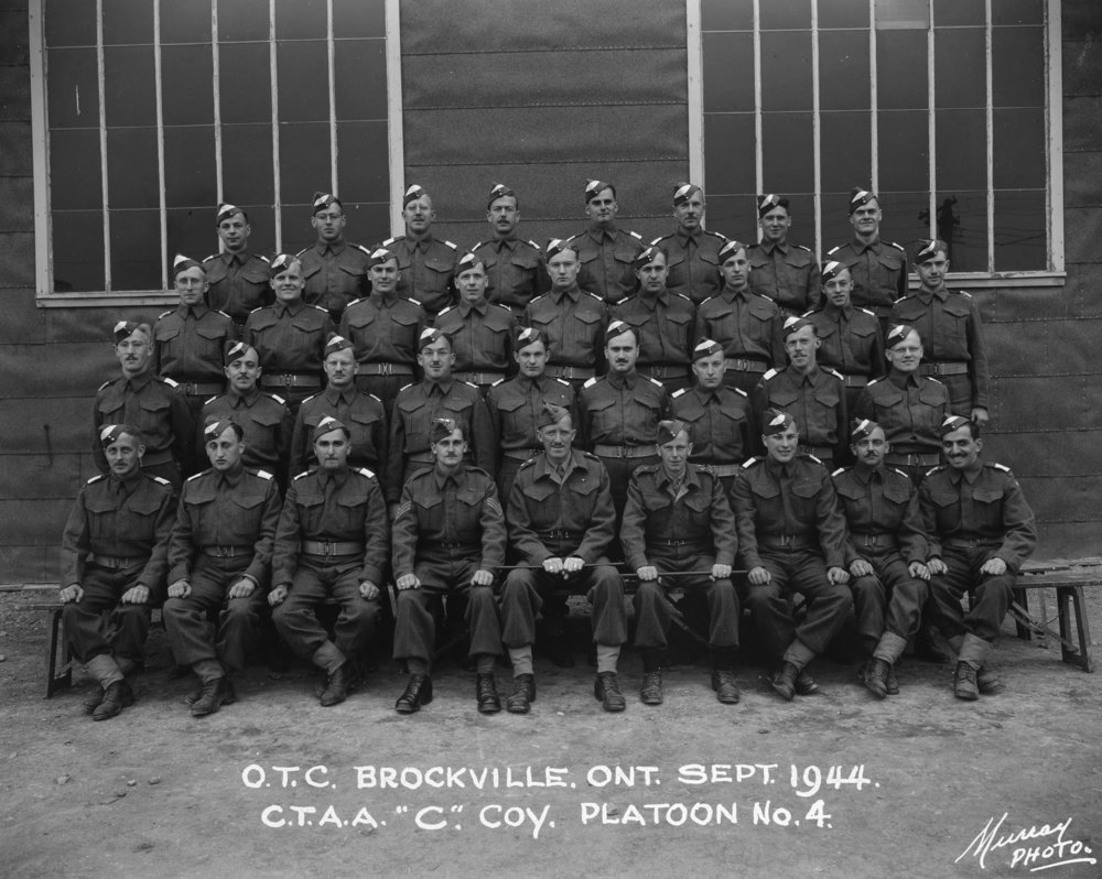Group photo of Officer's Training Course in Brockville, Ontario, September 1944. Ralph Yorsh is standing on the far right, second row from the top.