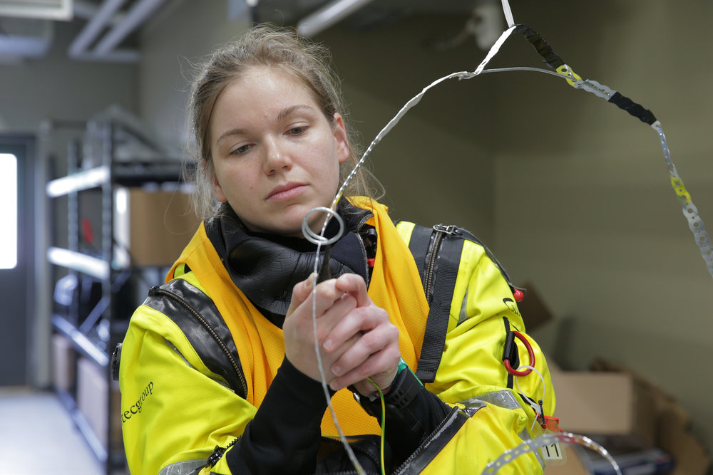 Jenni Sidey completes a requirement in the second series of aptitude tests. Astronaut candidates must successully complete a series of three aptitude tests before being considered worthy of being an astronaut. The first series of aptitude tests took place in February 2017 during an intensive three-day period in Saint-Jean-sur-Richelieu, Quebec, to test the top 72 candidates' strategic thinking skills and physical fitness. In March, the remaining 32 candidates spent a full week in Halifax, Nova Scotia where they were put through emergency simulations in challenging environments to test their resilience and their ability to think and react under pressure — crucial skills in a harsh environment such as space! In April the top 17 candidates completed final robotics, communication and medical tests at the CSA headquarters (John H. Chapman Space Centre) in Longueuil, Quebec. Lastly, the remaining candidates went through one final interview with a special committee formed of CSA executives, industry experts, and current and former astronauts. (Canadian Space Agency)