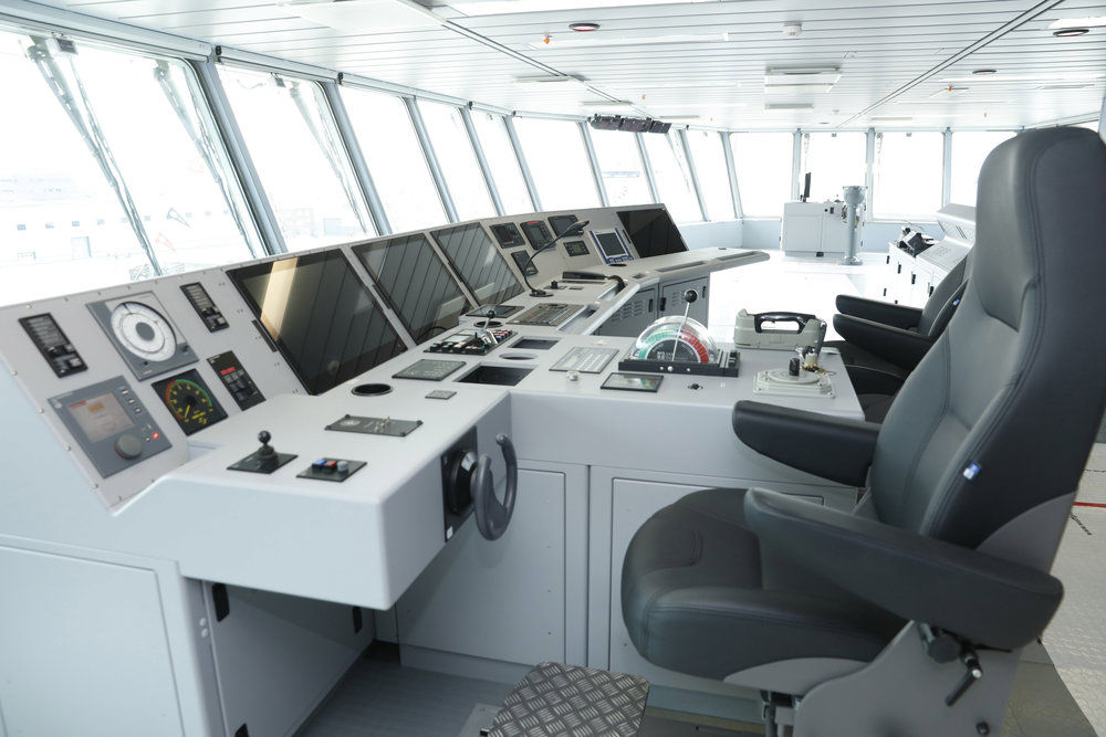 The fully integrated state-of-the-art bridge of the MV Asterix will be captained by a civilian crew provided by Federal Fleet Services for the duration of the lease agreement. Royal Canadian Naval personnel will handle communications and the actual transfer of supplies and fuel to warships. (chantier davie)