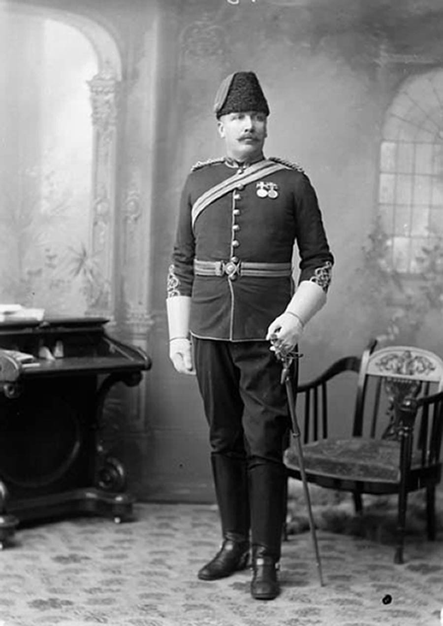 Strange's inexperience with the Canadian frontier was more than made up for by the expertise of Inspector Samuel Benfield Steele (pictured), who was already a legend among the NWMP. (lac, mikan   3432981  )