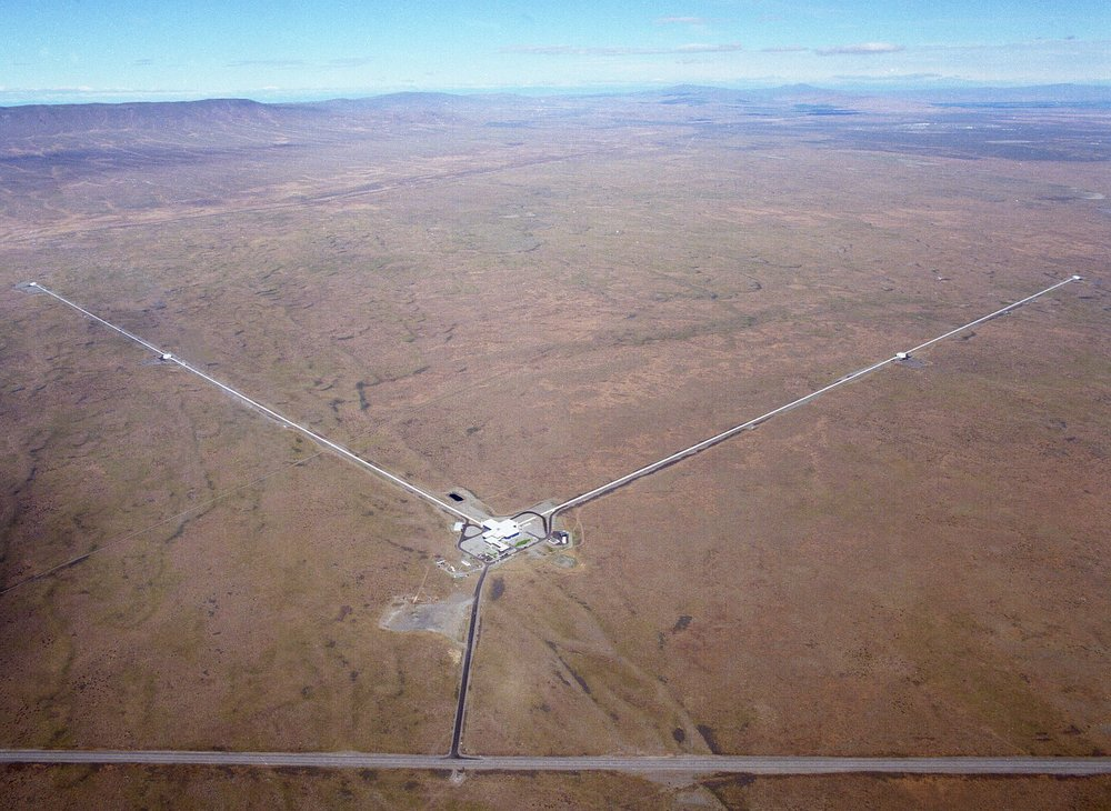 he Laser Interferometer Gravitational-Wave Observatory (  LIGO  ) consists of two widely separated installations within the United States — one in Hanford, Washington and the other in Livingston, Louisiana — operated in unison as a single observatory.    Aerial view of the LIGO Hanford facility showing the four-kilometre-long arms of the    interferometers.   (Credit: otherhand.org)