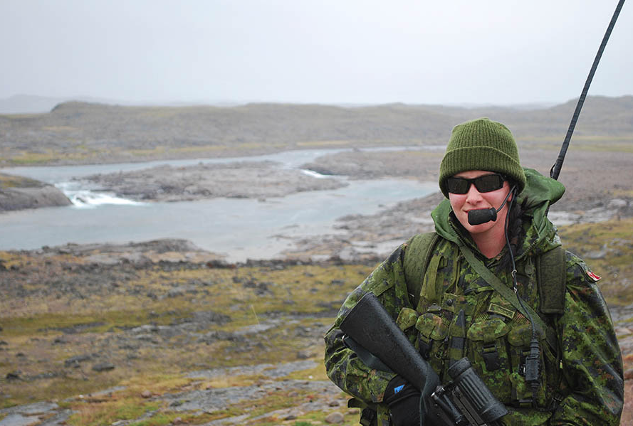 Gunner Brittany Heatherington is an Ontario reservist who deployed to southeastern Baffin Island as part of Operation NANOOK 09. The Army Reserve offers a multitude of experiences and is introducing a Full Time Summer Employment program. Photo: Second Lieutenant Dave Bowen. ©2017 DND/MDN Canada.