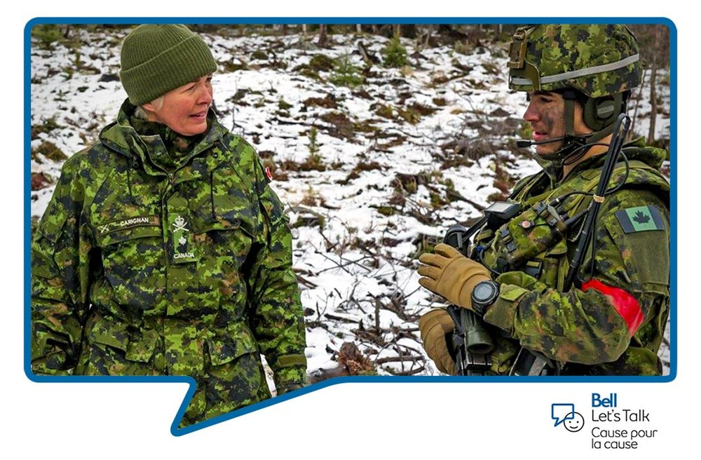 Brigadier-General Jennie Carignan, Commander 2nd Canadian Division and Joint Task Force (East) speaks with Lieutenant Josué Desrosiers of 3rd Battalion, Royal 22e Régiment during Exercise TRIDENT JUNCTURE, in Alvdal, Norway on November 3, 2018. Photo: Master Corporal Pat Blanchard, 2nd Canadian Division. ©2018 DND/MDN Canada.