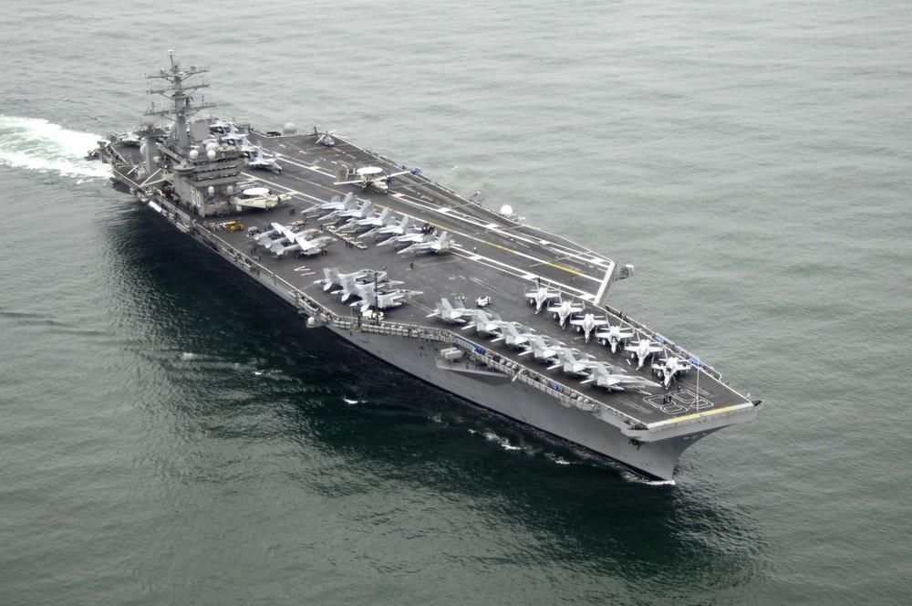USS_Nimitz_(CVN-68).jpg