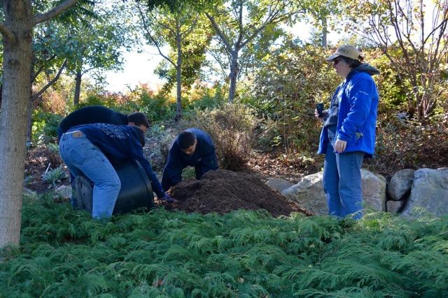 kids-volunteering-october-2015--2.jpeg