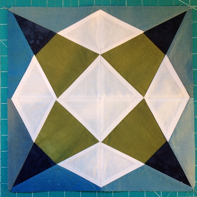Just finished this block from the Vintage Quilt Revival book, which is a totally lovely book. All I want to do is make a sampler. #vintagequiltrevival (at Kansas City Textile Studio)