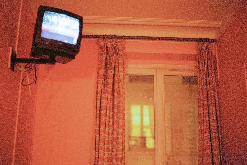 03--Pink-Hotel-Room.jpg