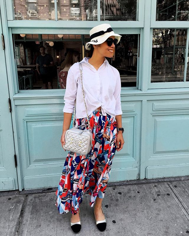 Cruise collection during summer!  If you see a lady dressed as a Cuban spy with a crumpled straw hat in the Lower East Side, dont be a stranger and say hi. Let's grab coffee! :) #chanelcruise #cuba #summer #lowereastside #nyc🗽 •  #wiw #wiwt #whatiwore #ootd #lifestyleblog #lifestyleblogger #lifestyle #nyc #newyork #nycblogger #travel #traveling #instatravel #style #stylist #stylista #styleblog #streetstyle #styleinspo • • • • photo by @dwilliams096