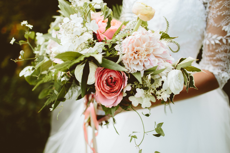 dahlia garden rose bouquet, studio fleurette, ash and james photography, enchanted barn.jpg