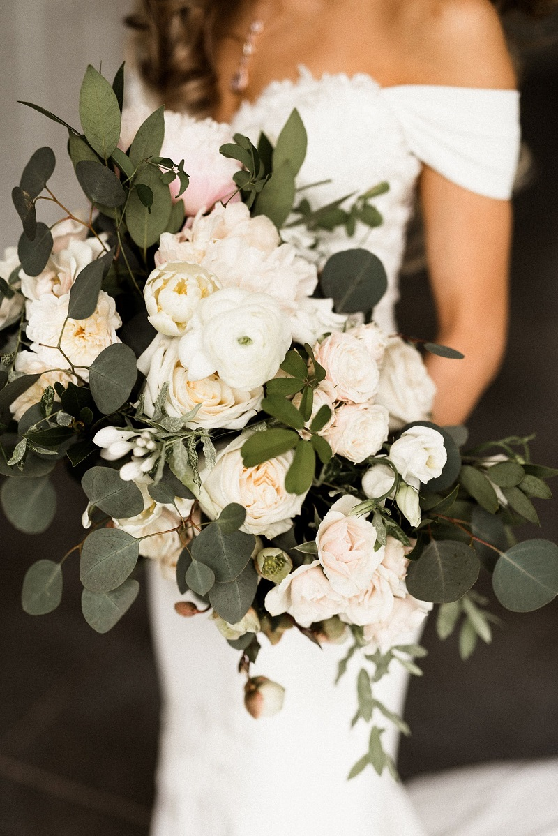 garden rose bouquet, studio fleurette, hutton house, neutral bridal bouquet, silver dollar eucalptus.jpg