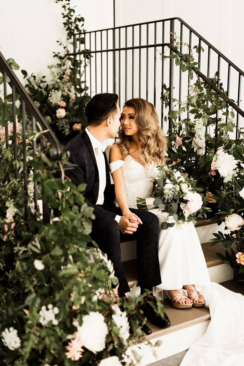 studio fleurette, flowers on steps wedding, the hutton house, romantic stairs wedding, minneapolis farmhouse wedding.jpg