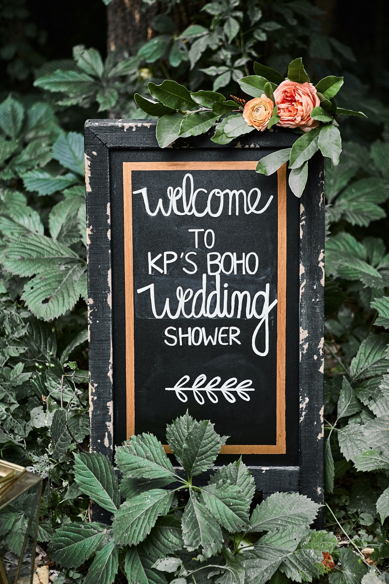 flowers on signs, studio fleurette, chalkboard sign, st. paul florist.jpg