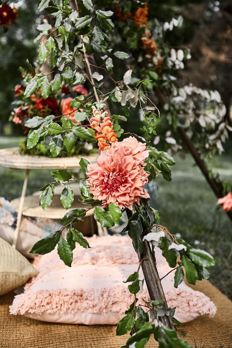 coral dahlia, floral teepee, boho teepee, flowers on teepee, studio fleurette.jpg