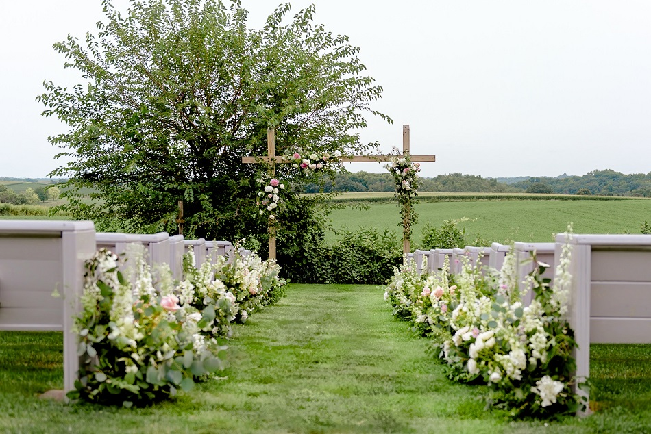 legacy hill farm wedding, studio fleurette, wedding aisle flowers, mn farm wedding.jpg
