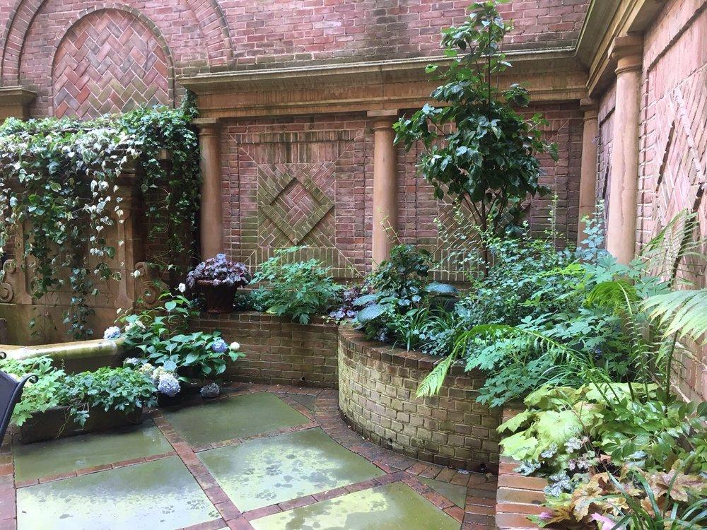Garden 02.jpg