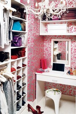 Don't want to commit to a whole living room of wallpaper? find a small room and have fun!