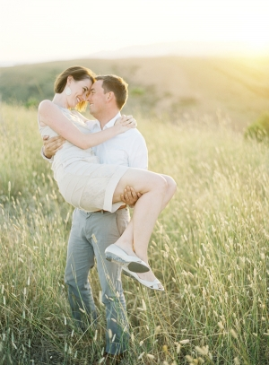 Romantic-Sunset-Engagement-Shoot-300x407.jpg