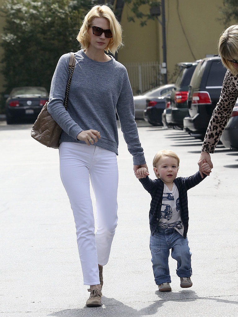 January-Jones-wore-gray-sweater-white-jeans-her-family.jpg