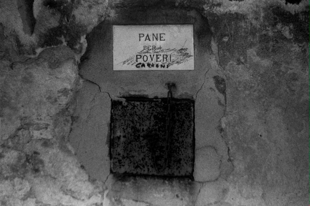 POOR BOX  Venice  2001