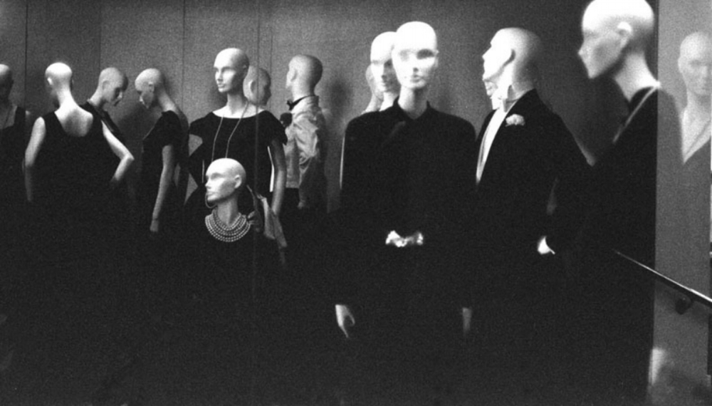 MANNEQUINS  London  Victoria & Albert Museum 1983