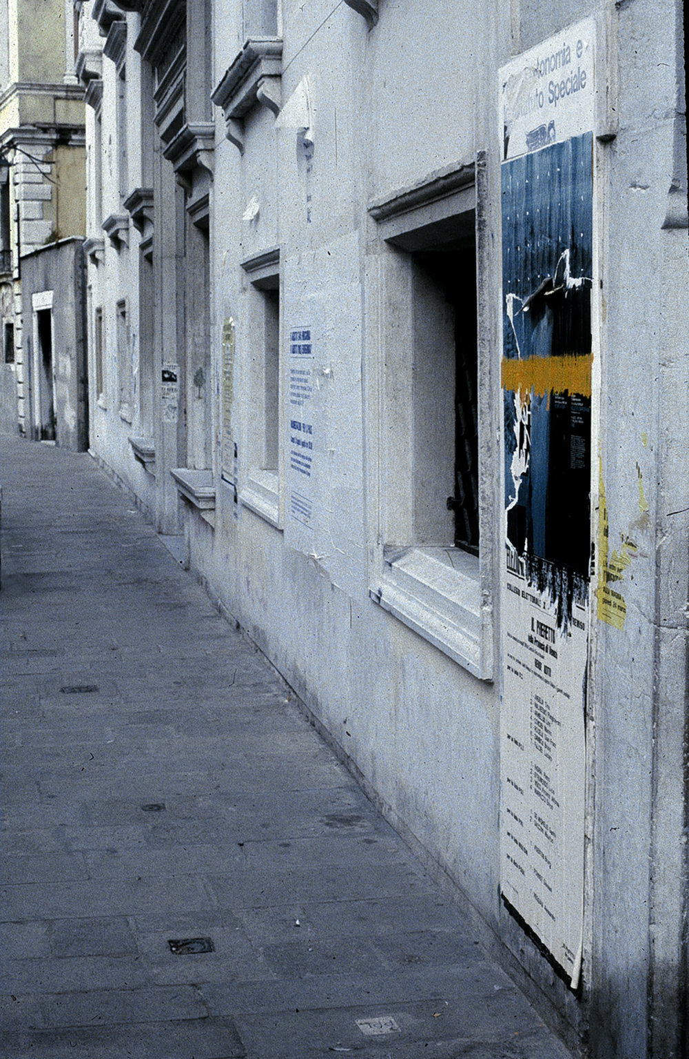 GRAFFITI DE VENEZIA YELLOW.jpg