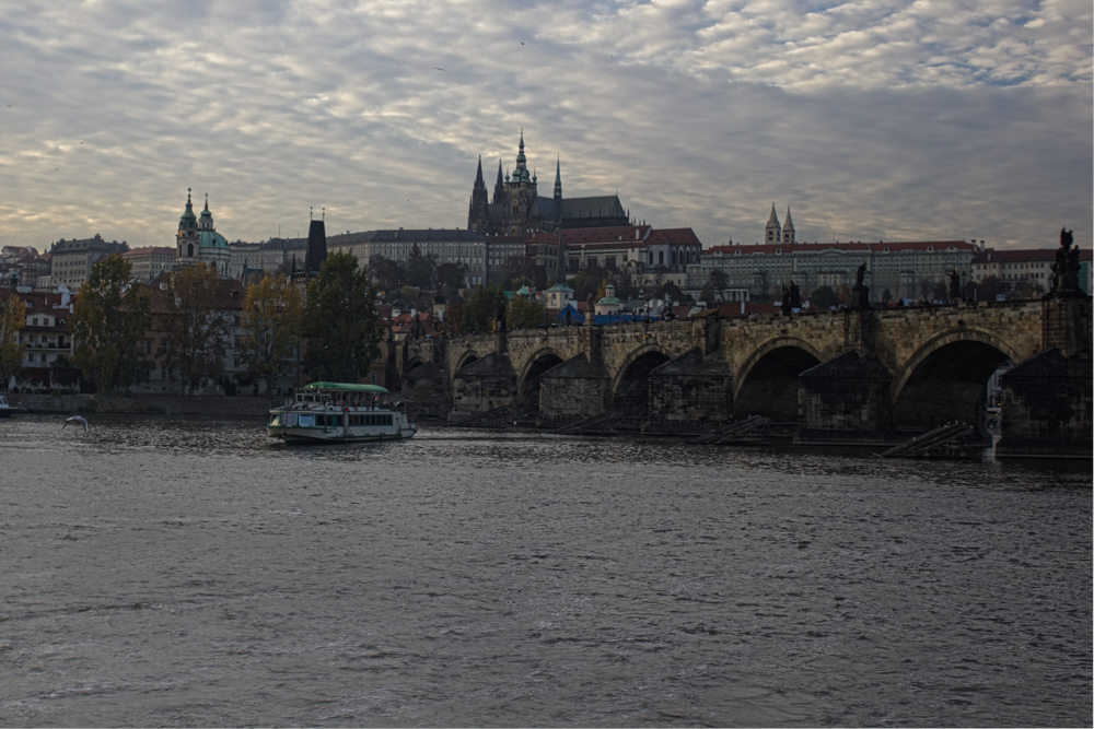 Prague-Castle-Charles-Bridge.jpg