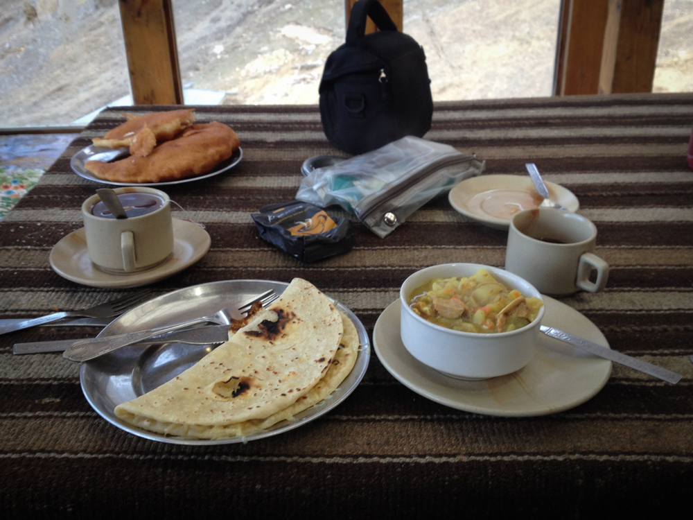 Power Breakfast to get my ass up and over the high pass. Coffee, tuna curry & yak cheese chapati. And a few Snickers on route.