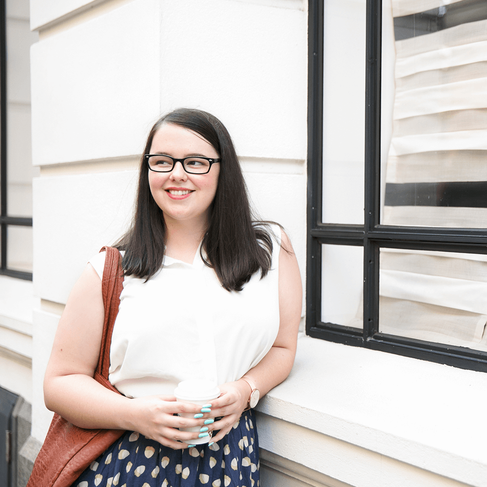 About Renée Carmody - I've been creating for businesses since 2007, honing my bold and minimal aesthetic.Our experience together is designed to create a connection between you and your brand—to energise your work so it resonates with your dream clients.