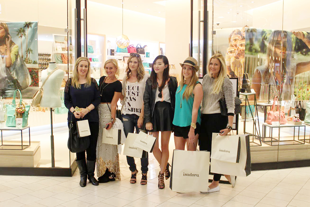 [Blogger babes from left to right: Jamie Stone of   Honestly Jamie ,  Amber Dianna Lane of   Amber's Notebook  , Rachael Dickhute of   Everything Hauler  , me :), Kendra Jorde Atkins of   Vlog with Kendra  , and Nicole Johnson of   The Style Maven  ]