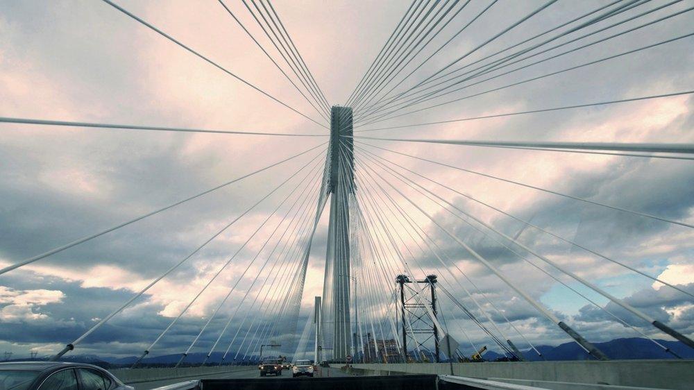 VAN bridge - Kelowna.jpg