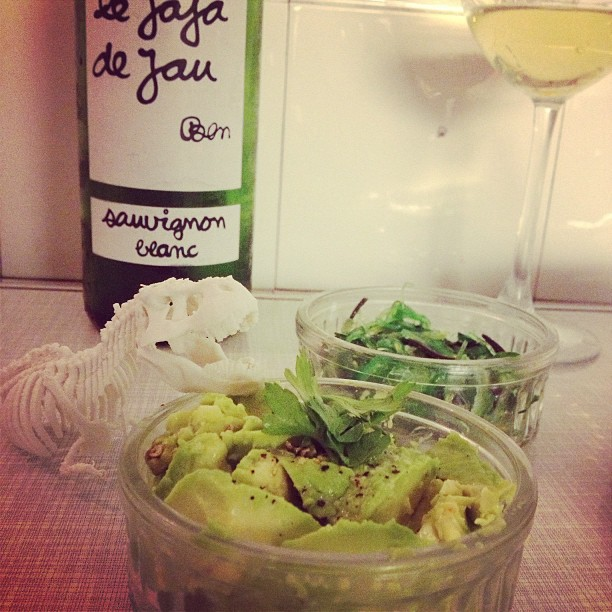 Someone is eating my #avocadosalad @alannguyen