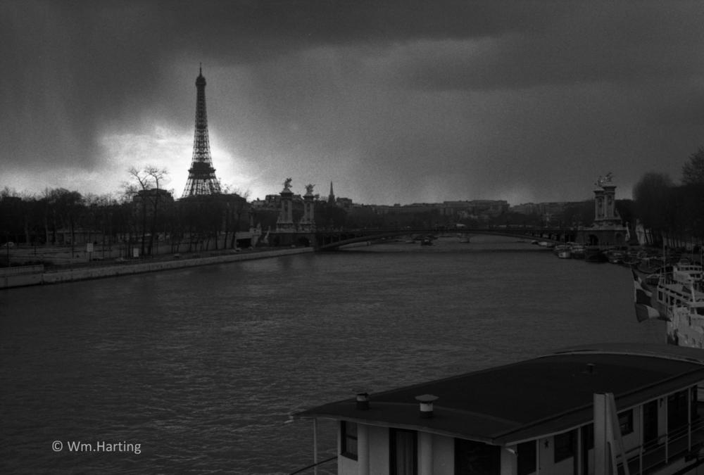 More in      PARIS     Gallery