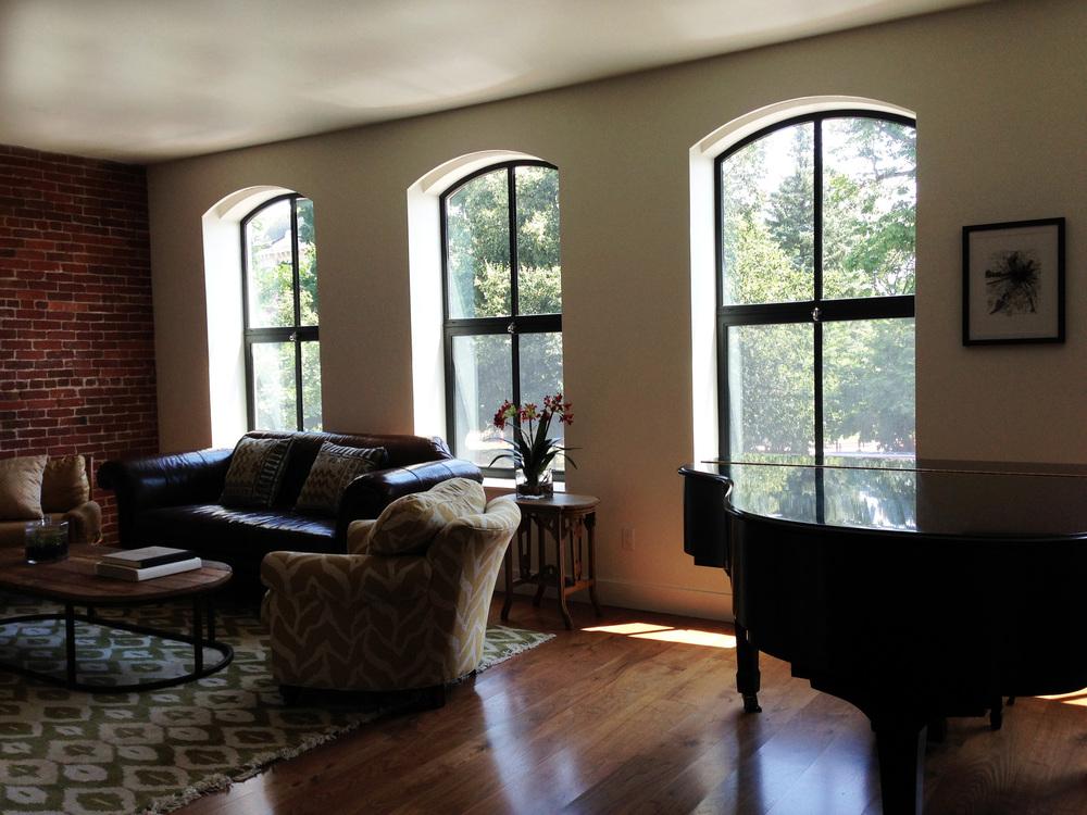 261_Living Room 1.jpg