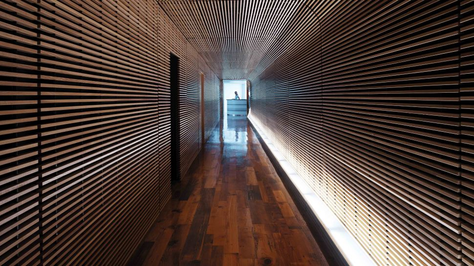 002521-01-hallway.jpg