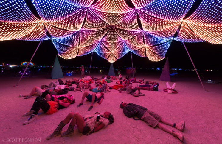 burning-man-night-ravejungle.jpg