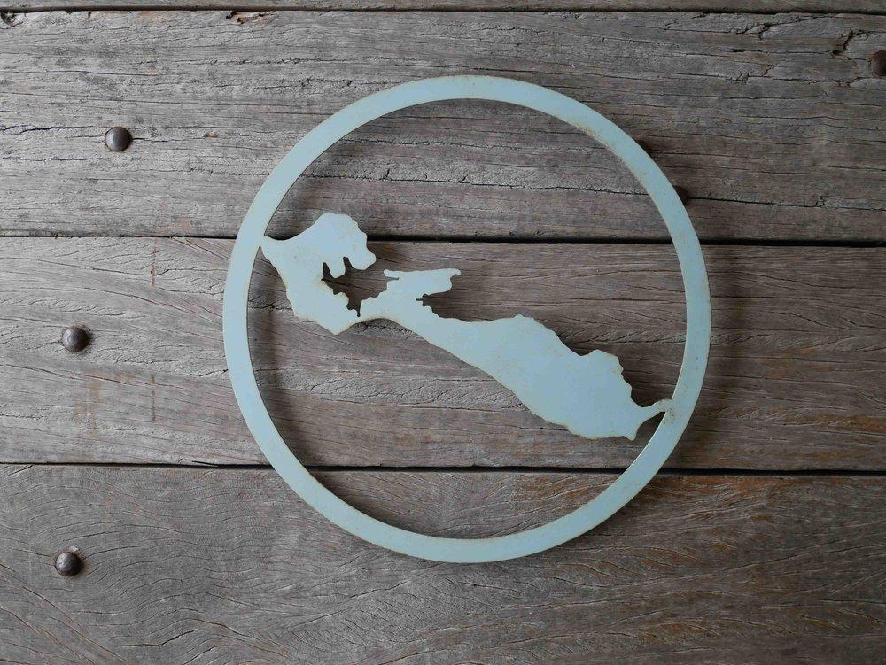 Récréa_île_de_Ré_déco_carte_métal_collection_cercle_bleu_vieilli.jpg
