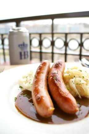 Photo courtesy of www.hofbrauhausnewport.com