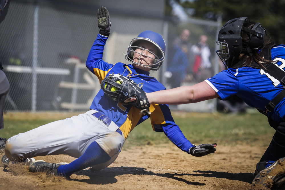 Softball_RBatLT-LMK-040815-01.JPG