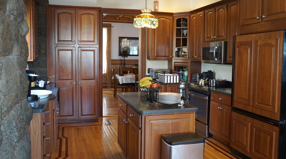 happy house bolton landing updated kitchen.jpg