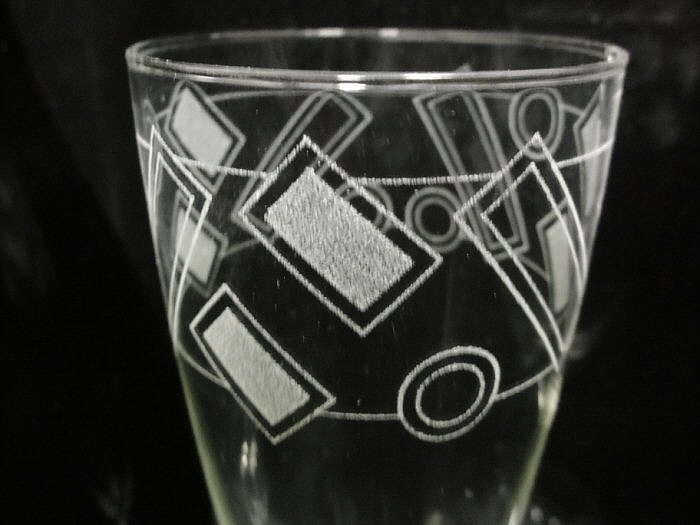 Granite_cnc_Picture_engraver_engraving_rotary_Champagne_glass_2.jpg