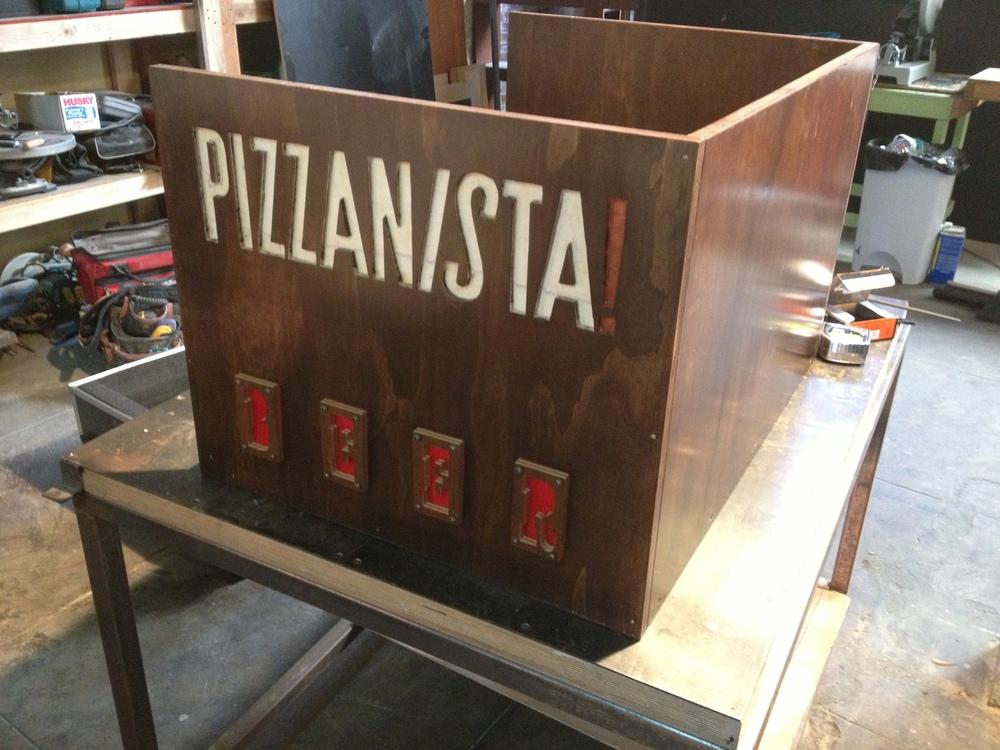 Pizzanista Hanging Pint Rack